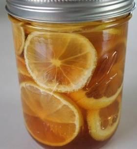 Мед и лимони за болно гърло